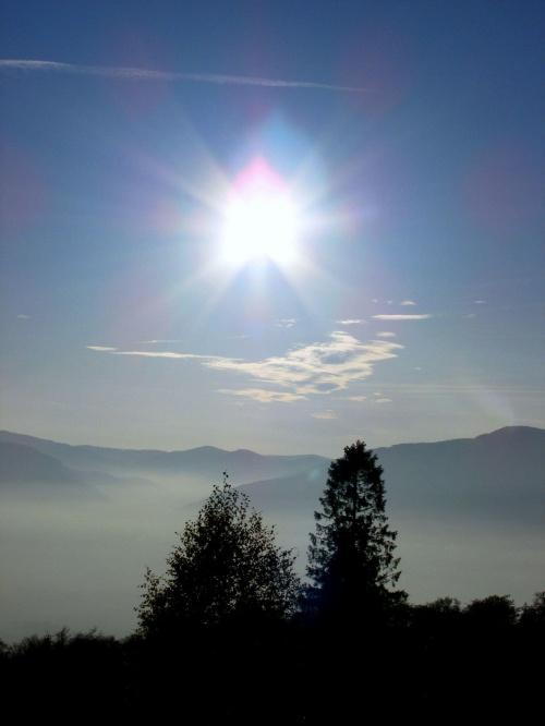 #slonce #drzewa #gory #mgla #las #chmury
