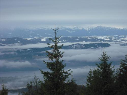 Gorce-Lubań.Widok na Tatry i jezioro Czorsztyńskie. #Gorce #góry #Lubań