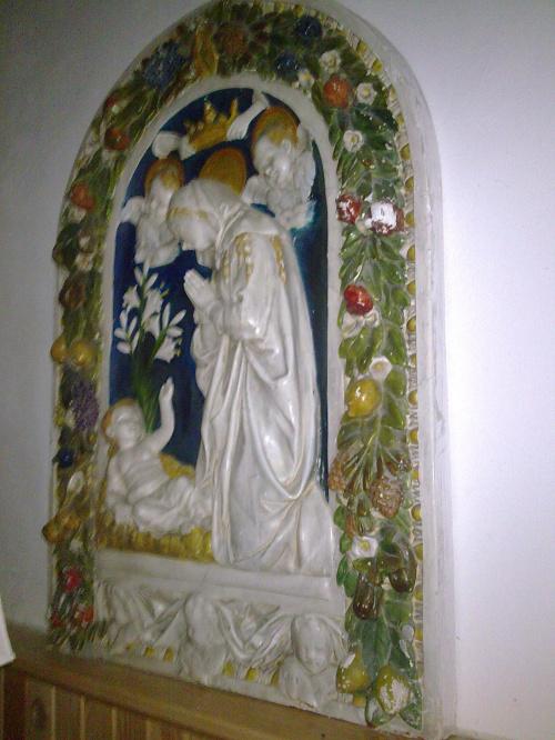 Bażyny k. Ornety - płaskorzeżba w kościele parafialnym